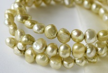Gold Wedding- wedding ideas board / by Pearls Pearls Pearls by Tabs