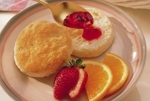 Food - Breads & Muffins / Dough or batter that is baked.  Individual breads baked in cup like pan. / by Amanda Fletcher