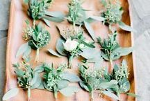 Weddings: Bouquets & Flowers / It's not all roses and baby's breath anymore.  Dive deep into the fragrance, the lushness, the colors, and even non-flower flower options (buttons bouquets?  YES!!!!) of today's best wedding florals and fauna.