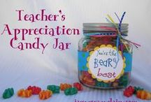 Teacher Gift Ideas / Ideas to brighten up the day of a teacher or school staff person!    You will find fun gift teacher gift ideas that are great for your student to take to school!