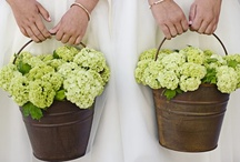 Floral Designs / Stunning arrangements. / by Your Wedding Muse