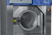 AGA laundry 100% Made in italy / Produzione e vendita diretta o tramite Rivenditori ed Agenti di Macchinari per Lavanderia, quali Lavatrici, Essiccatori, Mangani, Calandre e Macchine da stiro. www.agalaundry.com