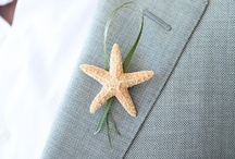 Giving them the Bout... / Boutonnieres for the groom and the men in their lives. / by Your Wedding Muse