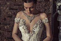 Style: Daring Brides / Glamorous, extravagant, sexy, unconventional, fashion forward wedding gowns