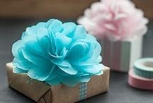 Día de la madre / ¿Quieres hacerle un regalo único a tu madre para ese día tan especial? Coge algunas ideas y sorpréndela.  / by Shoespanish Fashion