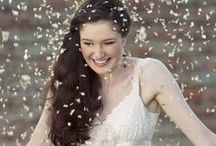 Confetti / Confetti creates a fun element at a wedding .It can be colorful or plain, bubbles or rice, even butterflies. Have a look at some of the great confetti ideas that we love.