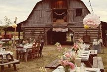 Rustic Wedding / Earth tones are natural and subtle. Earth toned weddings can vary from romantic and soft to fun and rustic. We love earth tones.