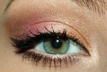 Makeup / by Alexandra Dragonir
