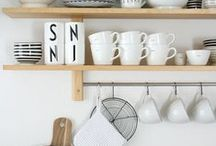 The Monochrome home / Keeping it simple with a black and white feel / by Snapdragon Jane Lindsey