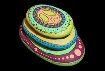 Colourful Rocks / Collection of Artistically Painted Rocks, beautiful projects for #Home Decor and #Garden Designs