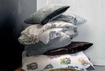 Inspiring decoration ideas / Tolle Kombinationsmöglichkeiten von wunderschönen Decken, Plaids und Kissen - Materialien, Formen und Farben bunt mixen und einfach inspirieren lassen...