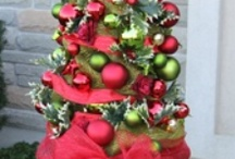 holiday decor / by Erin Owens