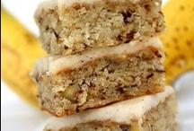 cooookieeees and sweet snacks / by Sue Ellen Crabb