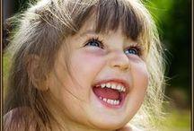 Kids mania / <<Le favole non dicono ai bambini che i draghi esistono. Perché i bambini lo sanno già. Le favole dicono ai bambini che i draghi possono essere sconfitti. >> Gilbert Keith Chesterton,1909
