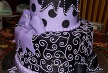 Cool Cakes / by Lisa Wiegand