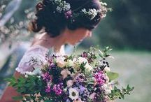 Le Floral Wedding / Peonies, tulips, roses and more. All the flowers and floral print you need for your wedding!