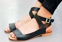 shoes / ...