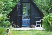 Cabins / Little houses, guest rooms, cottages and shacks. Floating and on dry land. / by Ingrid Duffy