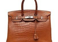 Handbags and accessories / We present some of the most sought-after handbags in the world.
