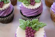 Cupcakes / by Debbie Pratt