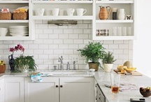 Kitchens / by Jessica Taylor
