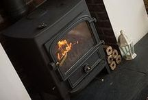 Hotties Heatlogs / Hotties Heatlogs - made in the UK from 100% timber materials. They are denser and drier than other Heatlogs or Pinikay imported briquettes and do not expand or crumble, giving off a powerful and reliable heat every time.