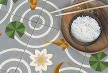 ¿Vas a cambiar el suelo? / Suelos de madera, cerámicos, hidraulicos... Elige el que más te guste. / by Micasa Decoración
