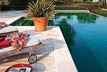 Piscinas / Toma ideas para vivir y disfrutar la piscina. Ideas decorativas y consejos de suguridad.