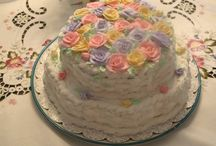 Cakes by Grace / Homemade cakes / by Gloria Froenstein