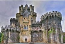 #Castles / This collection is for my daughter - a virtual tour of the castles of the world. I hope we get to visit some of them together.
