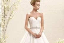 bride to be / All about the white gown, dresses, hair and inspiration... / by Manu Luize