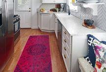 Kitchens / by Lindsay Hogan