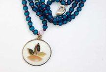 Sparkle / adorn yourself with jewels that inspire you and make you feel expansive.