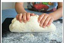 Baking memories / Kids love to help in the kitchen. Cook up some fun together!