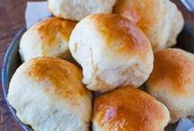Bread, Buns & Rolls / by Lucie Bertuleit