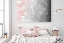 Inspirações decor - Quartos / Amo pensar nesta parte da decor! O quarto é nosso refúgio, aquele lugar pra relaxar e se sentir muito bem. Gosto de elementos que remetem a aconchego, paz, suave perfume e cores que relaxem.
