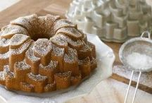 Bundt Cake / Bundt cakes 'cause they are the bomb! (and pound cake too)