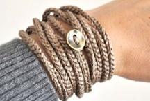 Braçalets, collarets, anells i més... / by NLC