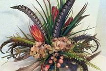 Feather Floral Arrangements / Feather floral arrangements ideas for special events, home decor and special occasions.