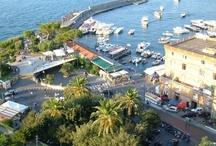 Sorrento (Just 22 km from the B&B) / #sorrento #surrentum #costiera #boat #pompeii #hotelsorrento #citysorrento #pompei #excursions #travel #italy #faunopompei  The peninsula Sorrentine was the destination of famous travellers since the seventeenth century.. - See more at: http://www.bbfauno.com/eng/what-you-see/sorrentine-peninsula.html Adagiata su una terrazza a picco sul mare, Sorrento è un'affascinante località turistica che è riuscita a mantenere l'antico fascino dato dalla sua posizione.Sorrento dista solo 22 km dal Fauno. / by B&B Pompei Il Fauno