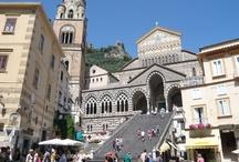 Amalfi - Amalfi Coast (Just 35 min. from the B&B) / #amalfi #amalficoast #coteamalfitane #hotelamalfi #hotelpompei #costieramalfitana #pompei #excursions #travel #italy See more at: http://www.bbfauno.com/eng/what-you-see/amalfi-coast.html Tutte le fotografie che troverete presenti qui, sono di proprietà degli autori , alcune informazioni provengono dalla rete. Se qualcuno notasse qualche particolare coperto da © copyright (a noi sfuggito) o simili, è pregato di comunicarlo con la massima urgenza, provvederemo immediatamente alla sua rimozione. / by B&B Pompei Il Fauno