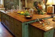 Kitchens & Nooks / So many wonderful kitchens and nooks here! :)