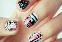 Uñas cool / Cool nails / Diseños en uñas cortas, algunos tutoriales los presentamos en youtube.com/redhairfriends