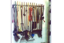 Garages / by Liz Budd