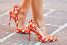 Shoes: Walking on Sunshine / Gorgeous shoes / by Courtney Hill