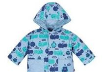 Smart Close Raincoats / Smart Close raincoats get little ones warm and dry in seconds!