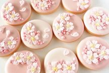 Icing cookies アイシングクッキー / クッキーのアイシングの素晴らしさをここで知りました❤️ フェイクスイーツのデザインの参考になります✨