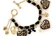 Bracelets ブレスレット / ヒーリングストーンと呼ばれる石と、ロンデル等を組み合わせてこういった作品を作ってみたいです(^O^)