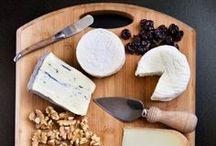 It Ain't Easy Being Cheesy! / Cheese? Yes, please. Your perfect guide to everything cheesy.