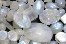 I love rocks/crystals/shells / by Linda Lemieux
